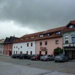 W jednym z późnogotyckich domów w 1474 r. zatrzymał się król Maciej Korwin.