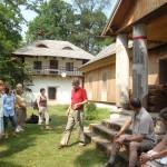 15. Właściciel dworu w Ludyni zapoznał nas z historią tego miejsca i swoimi planami na przyszłość.