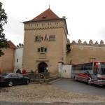 1. Zamek w Kieżmarku tworzył od XV w. system murów obronnych miasta.