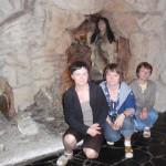 25. …gdzie można było się sfotografować z neandertalczykami niegdyś zamieszkującymi jaskinię.