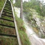 36. …do kolejnych drabin, które towarzyszyły wodospadowi aż na samą górę.