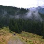 13. …ruszyliśmy dalej mając przed oczami schodzące turniami w dół Bucegi.