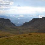 31. …i dolinę Ialomiţy rozdzielającą dwa ramiona podkowy, którą te góry tworzą.