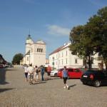 4. Najstarszym zabytkiem jest gotycki kościół św. Jerzego (XIII) z barokową dzwonnicą.