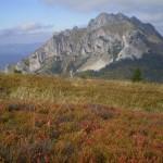 54. Białe skały nad kolorami jesieni - taki sobie landszafcik.