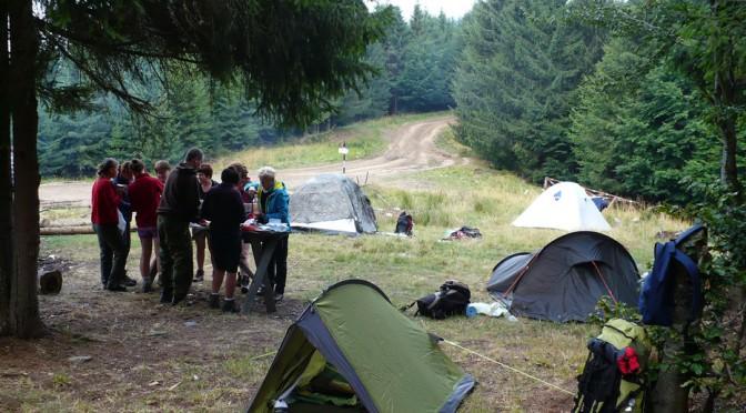 19. ...a rankiem po obfitym śniadaniu zwinęliśmy obóz.