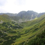 23. Za Prešivą otworzył się widok na kocioł pod Dzumbirem…