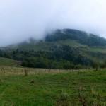 16. Przełęcz pod Rozsutcem i sam szczyt tonęły w mgle.