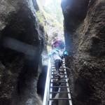 23. …gdzie czekały atrakcyjne drabiny w szczelinach skalnych.