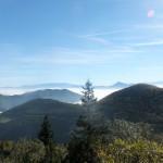 41. Nad morzem mgieł pokrywającym Orawę sterczał Wielki Chocz i Tatry.